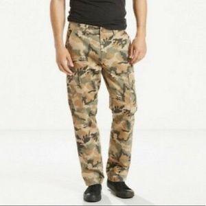 Levi's camo cargo pants 6 pockets W30 L32